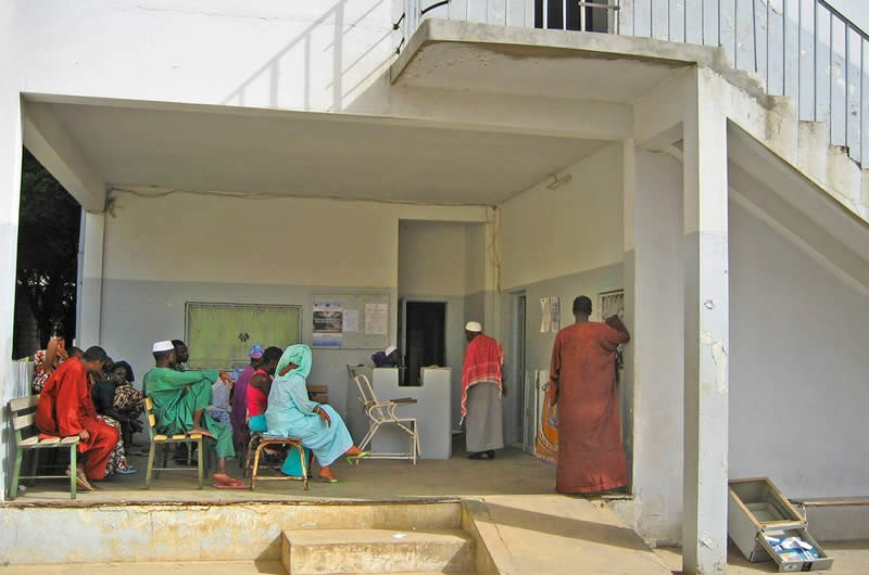 Hall d'attente d'un service d'ophtalmologie à Dakar. SÉNÉGAL. Daniel Etya'ale
